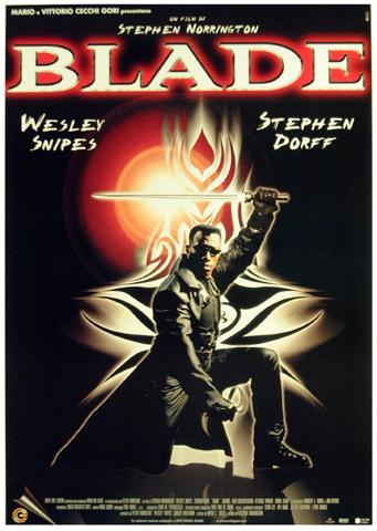 blade wesley snipes pose italian edition oversized posters buy posters online with 1art1. Black Bedroom Furniture Sets. Home Design Ideas